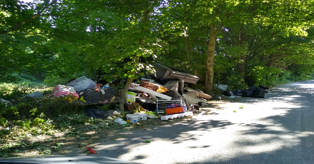 UK campaigners call for action to tackle surge in Covid-19 fly-tipping