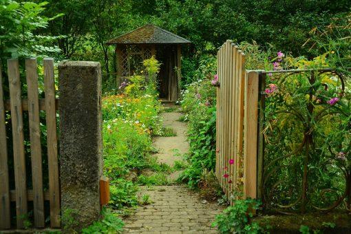One in 10 gardens broken into in the UK