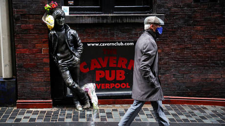 Londoners hit with NEW restrictions on household mixing in bars & restaurants as govt gets tougher on Covid-19 outbreak